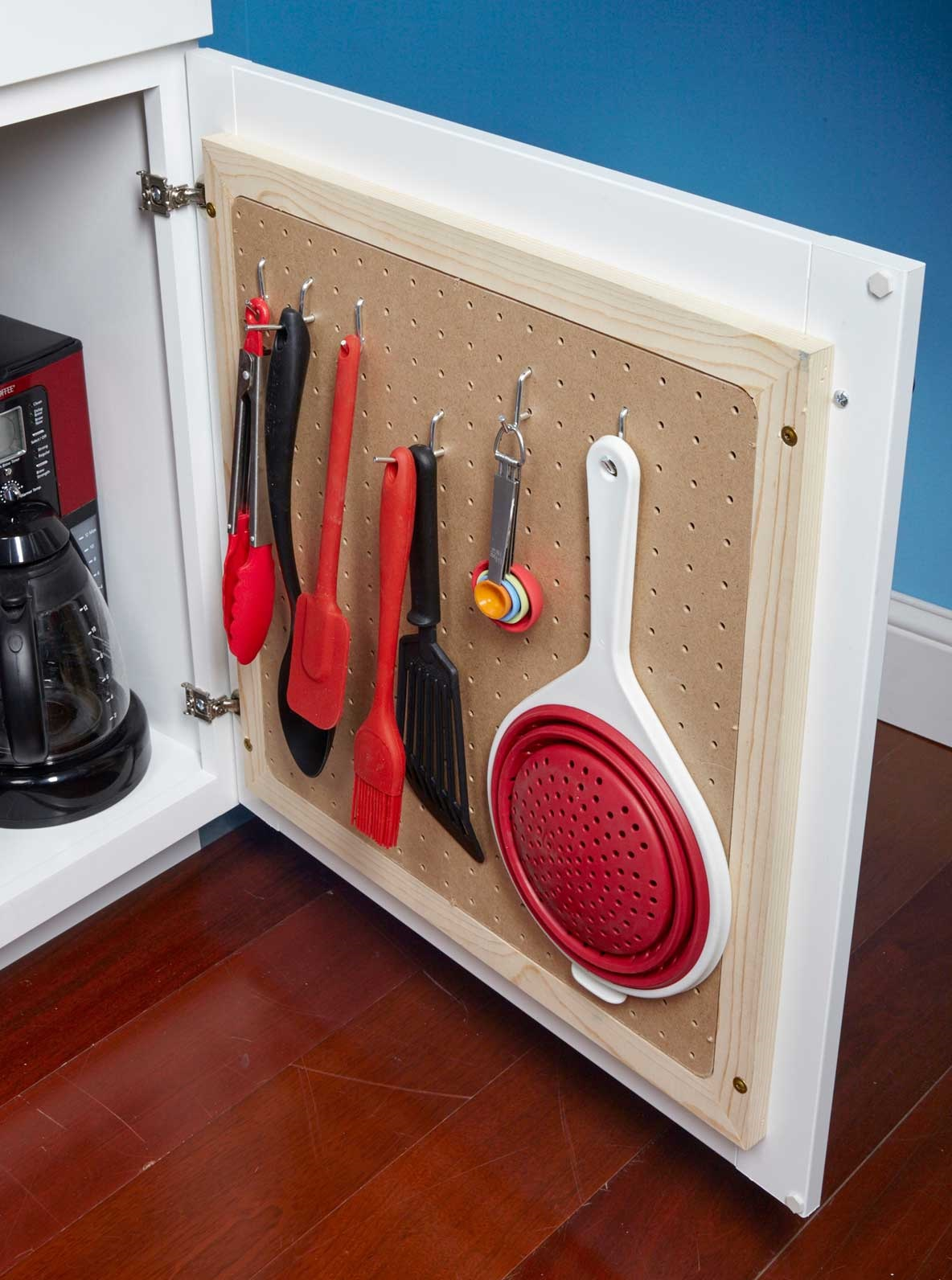 10 Cool Ways to Organize With a Pegboard9