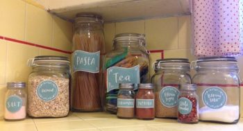 12 Incredible Tips for a Tidy Pantry2