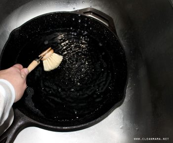 The Best Way to Clean Cast Iron