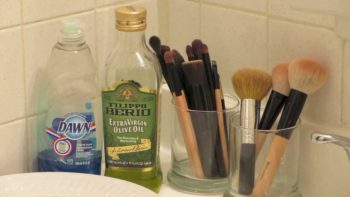 30 Amazing DIY Home Cleaners4