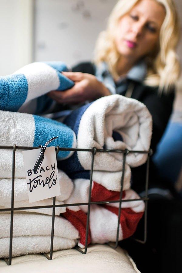 Linen  closet organization, how to organize linen closets, popular pin, organization, cleaning tips, organization hacks, DIY home organization.