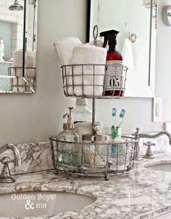 10 Ways Baskets Organize Everything6